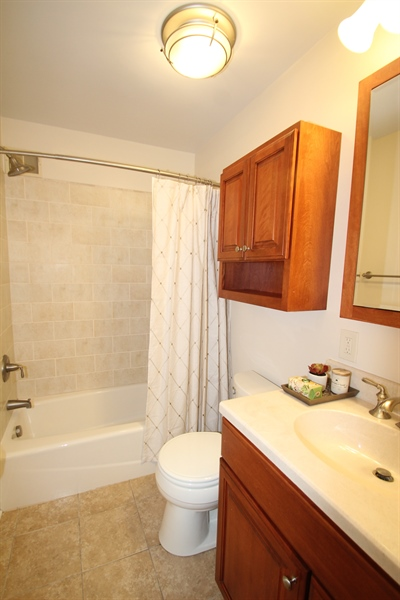 Real Estate Photography - 2307 Andys Ln, Wilmington, DE, 19810 - Full Bath