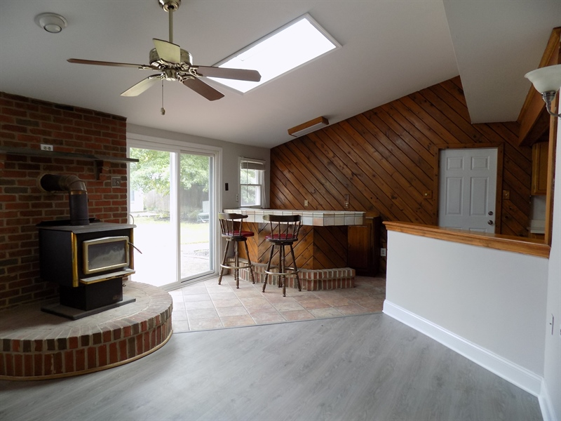Real Estate Photography - 1128 Red Barn Ln, Quakertown, PA, 18951 - And skylight and bar