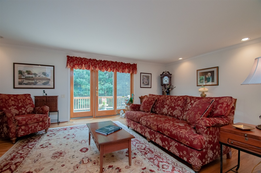 Real Estate Photography - 10 Laurel Ct, Wilmington, DE, 19808 - Living Room