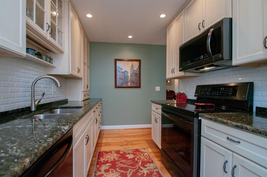 Real Estate Photography - 10 Laurel Ct, Wilmington, DE, 19808 - Granite Counter Tops