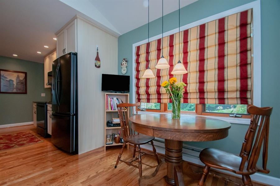 Real Estate Photography - 10 Laurel Ct, Wilmington, DE, 19808 - Kitchen is Eat-in