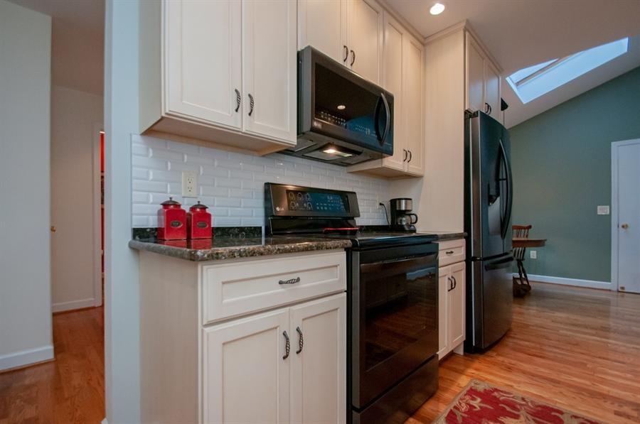 Real Estate Photography - 10 Laurel Ct, Wilmington, DE, 19808 - Black Stainless Appliances