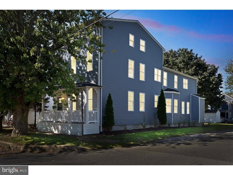 Real Estate Photography - 300 Washington St, Delaware City, DE, 19706 - Location 1