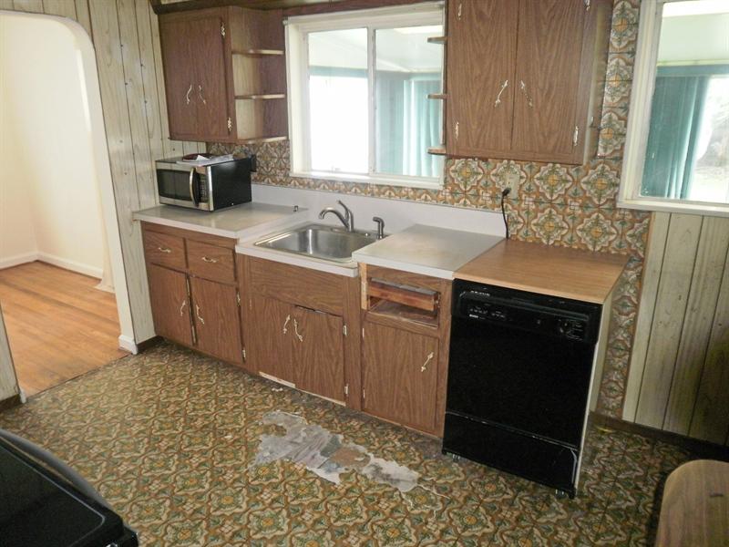 Real Estate Photography - 404 Stanton Rd, Wilmington, DE, 19804 - Large kitchen w/portable dishwasher & appliances