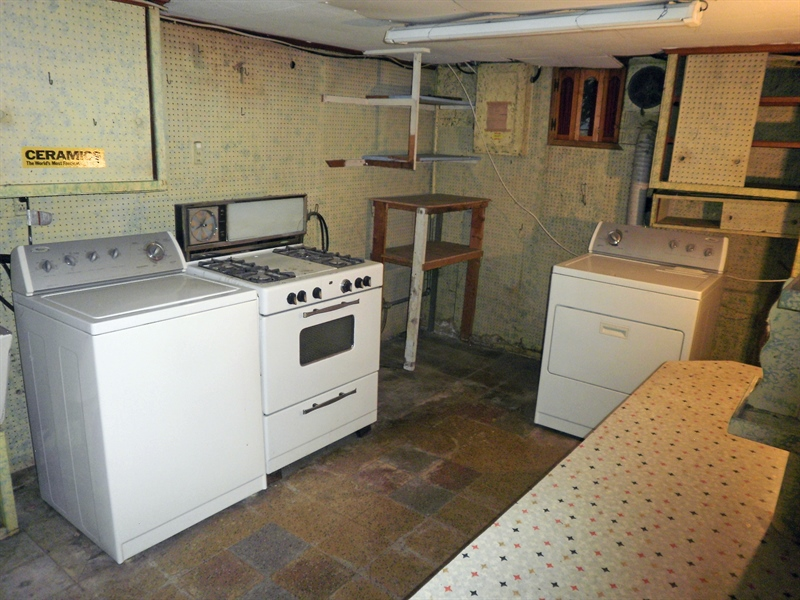Real Estate Photography - 404 Stanton Rd, Wilmington, DE, 19804 - Washer, dryer included in the basement