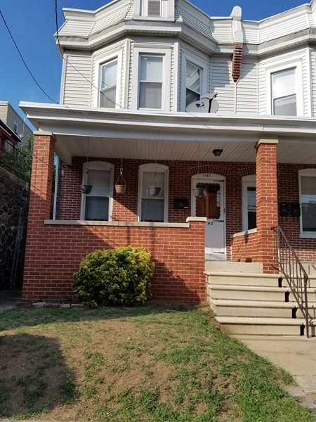 Real Estate Photography - 1343 W 4th St, Wilmington, DE, 19805 - Location 1