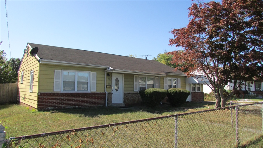 Real Estate Photography - 32 Chesterfield Dr, New Castle, DE, 19720 - Location 2