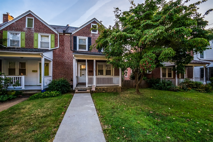 Real Estate Photography - 302 W 33rd St, Wilmington, DE, 19802 - Location 2