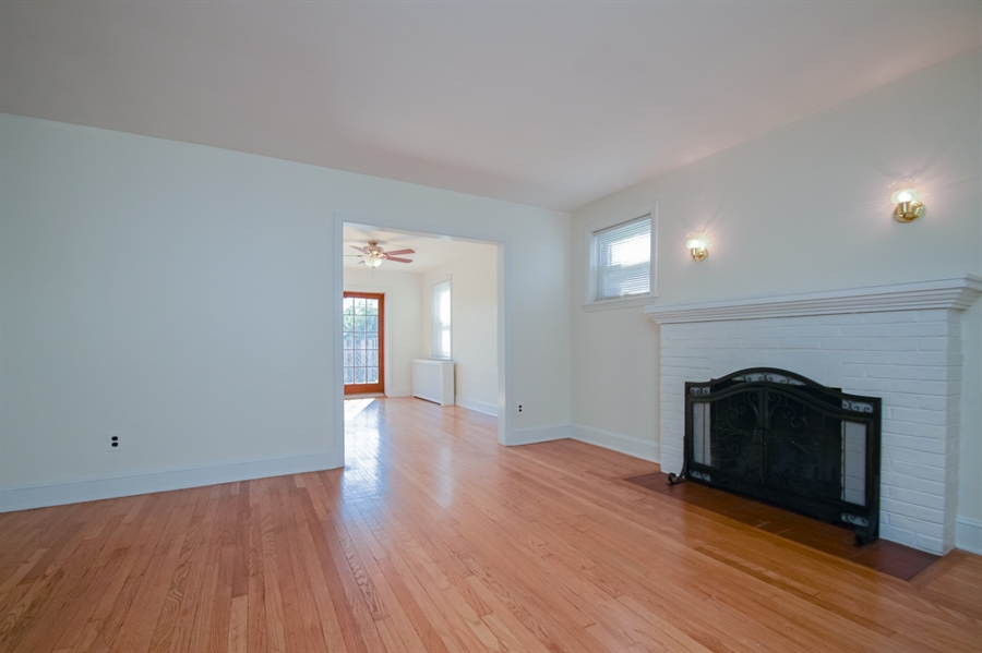 Real Estate Photography - 302 W 33rd St, Wilmington, DE, 19802 - Location 7