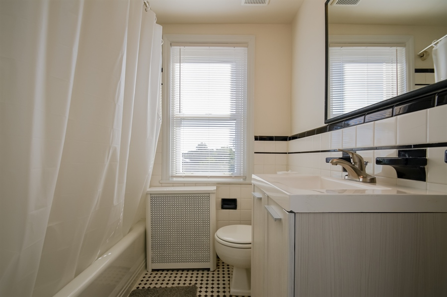 Real Estate Photography - 302 W 33rd St, Wilmington, DE, 19802 - Location 9