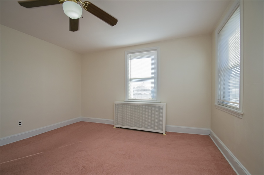 Real Estate Photography - 302 W 33rd St, Wilmington, DE, 19802 - Location 12