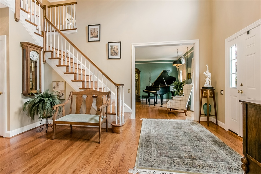 Real Estate Photography - 525 Ridgeview Dr, Hockessin, DE, 19707 - Another Entrance Foyer View Looking Into the LR