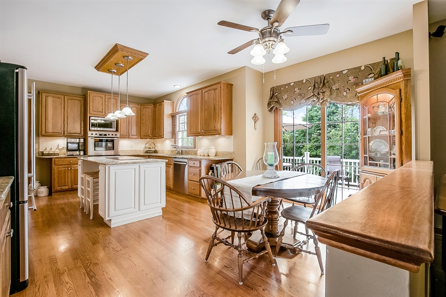 Real Estate Photography - 525 Ridgeview Dr, Hockessin, DE, 19707 - Great View of Kitchen and Breakfast Nook