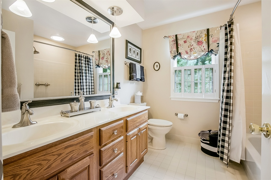 Real Estate Photography - 525 Ridgeview Dr, Hockessin, DE, 19707 - Spacious Hall Bathroom with Double Sinks