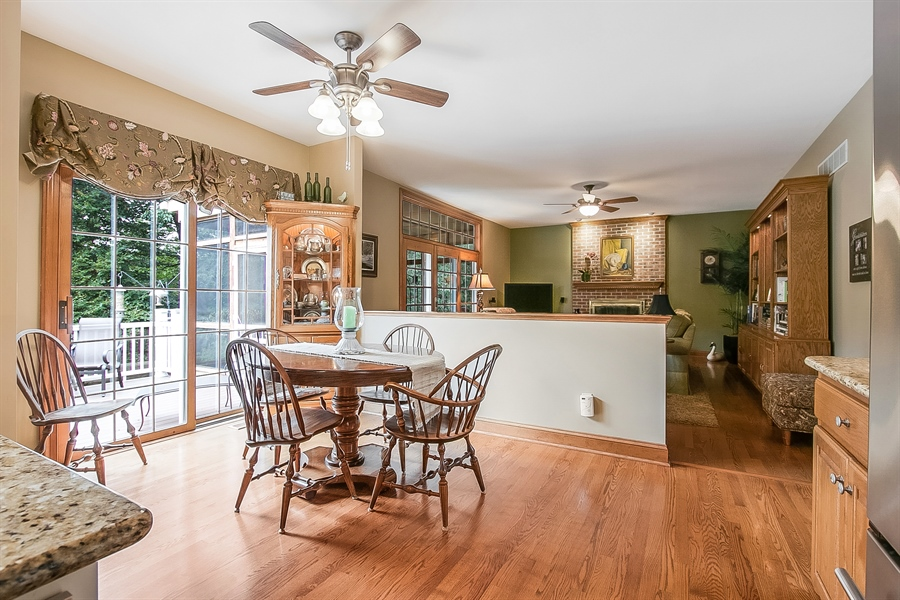Real Estate Photography - 525 Ridgeview Dr, Hockessin, DE, 19707 - Breakfast Nook Showing FR and Deck