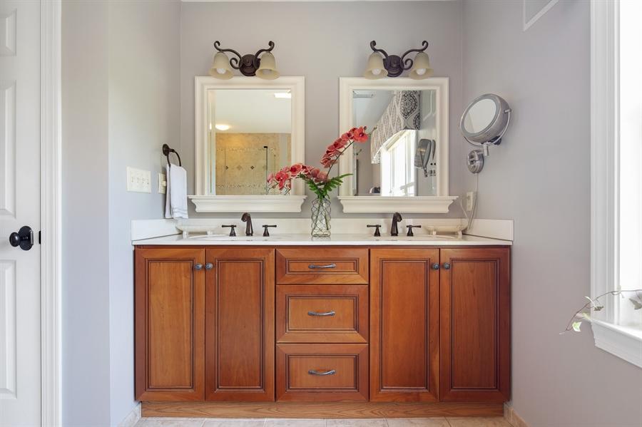 Real Estate Photography - 784 Shavertown Rd, Garnet Valley, PA, 19060 - Master bathroom incl dual sinks, soaking tub/showe