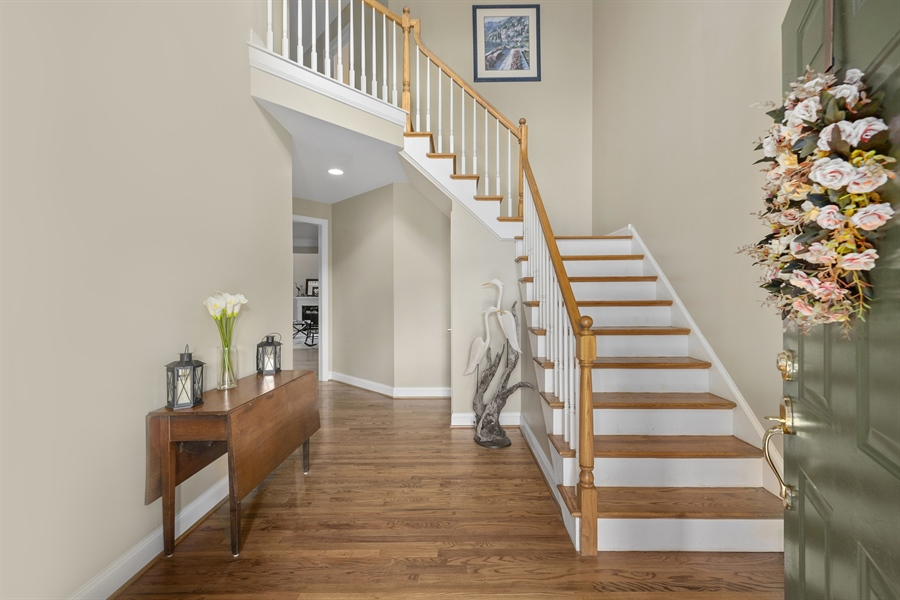 Real Estate Photography - 30 Fall Brooke Rd, Newark, DE, 19711 - Two Story Foyer w/ Turned Staircase