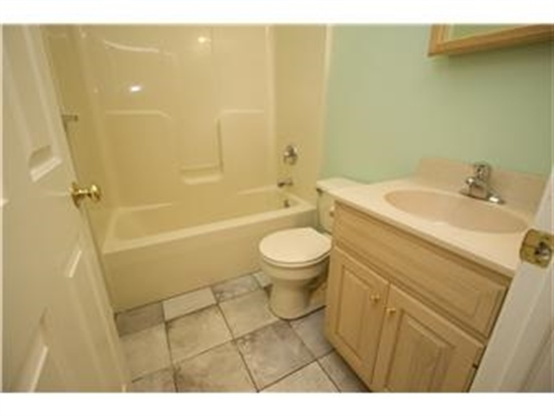 Real Estate Photography - 622 Creek Rd, Kennett Square, PA, 19348 - Full Bath