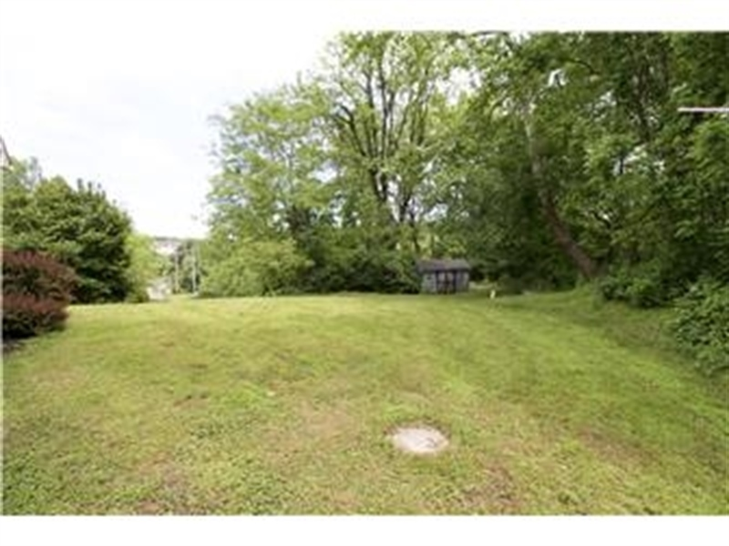 Real Estate Photography - 622 Creek Rd, Kennett Square, PA, 19348 - Back/Side Yard