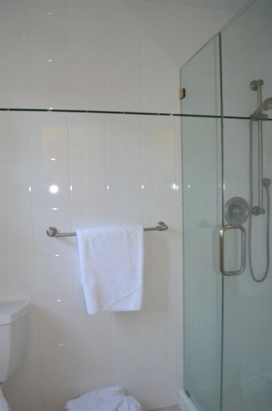 Real Estate Photography - 3207 Delwynn Dr, Wilmington, DE, 19803 - Master bathroom