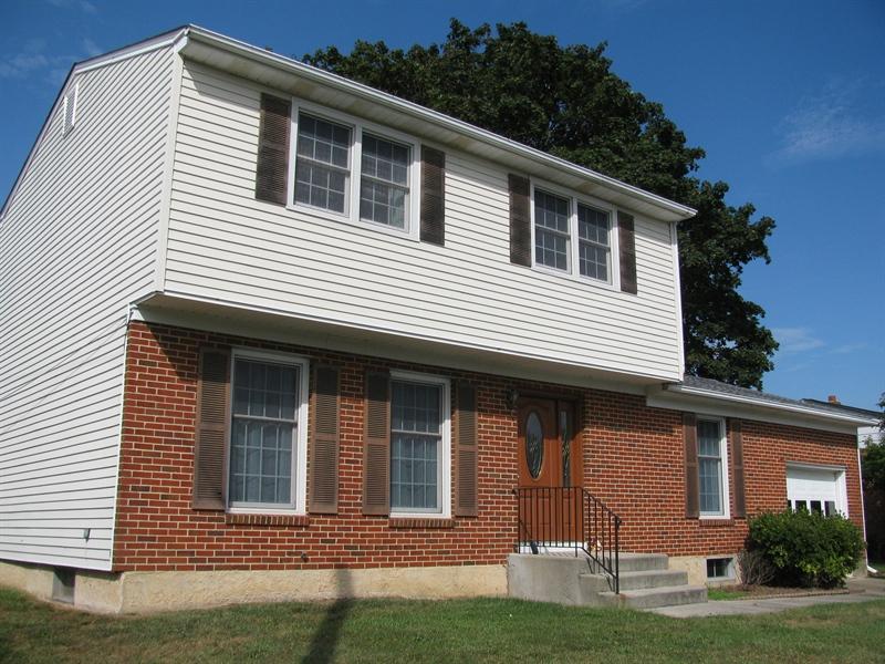 Real Estate Photography - 613 McKennans Church Rd, Wilmington, DE, 19808 - Location 1