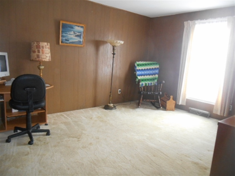 Real Estate Photography - 613 McKennans Church Rd, Wilmington, DE, 19808 - Large Carpeted Family Room