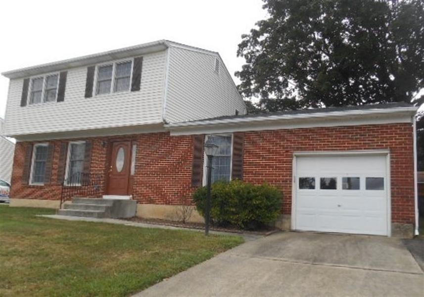 Real Estate Photography - 613 McKennans Church Rd, Wilmington, DE, 19808 - Location 22