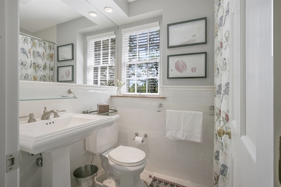 Real Estate Photography - 300 Kennett Pike, Chadds Ford, PA, 19317 - Second Level Full Bath