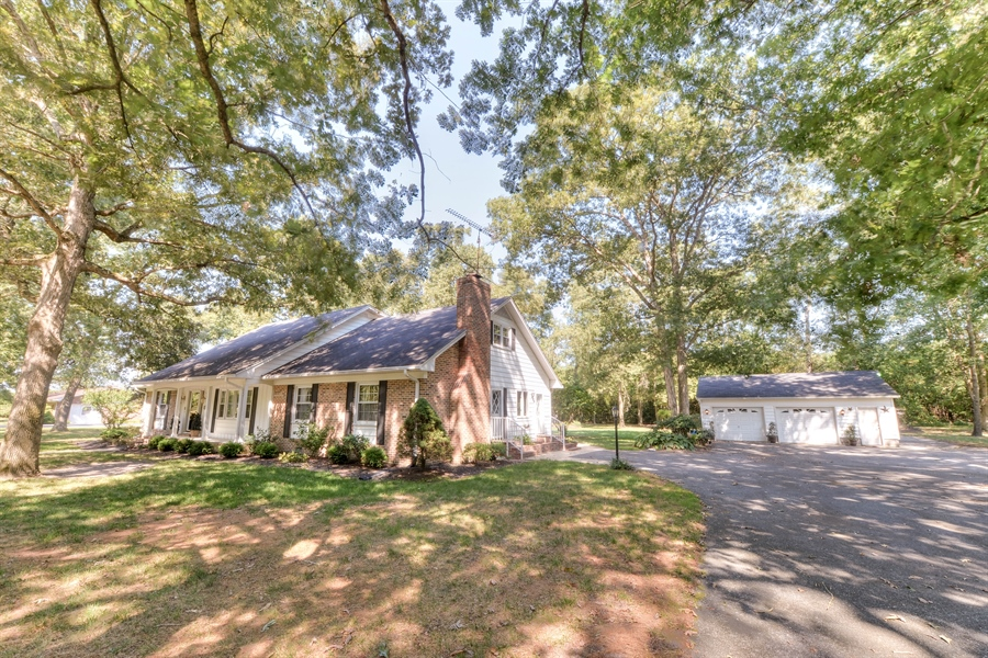 Real Estate Photography - 28755 Lakeview Rd, Millsboro, DE, 19966 - Location 3