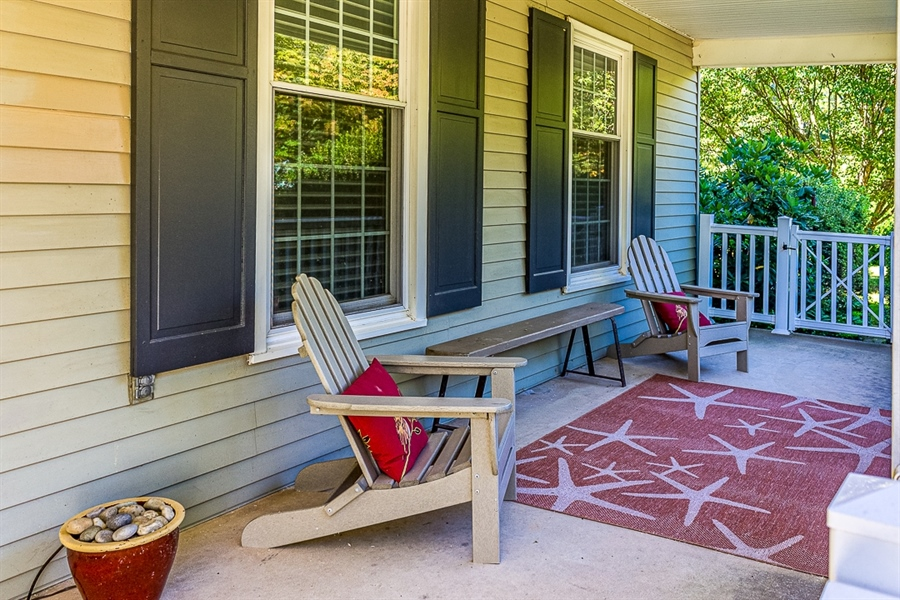 Real Estate Photography - 700 Fawn Rd, Newark, DE, 19711 - spacious front porch for relaxing