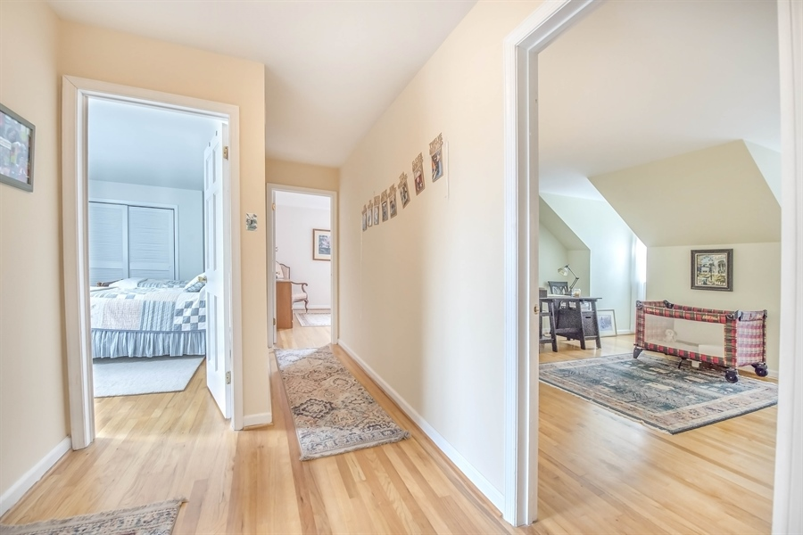 Real Estate Photography - 700 Fawn Rd, Newark, DE, 19711 - view of 2nd floor hallway