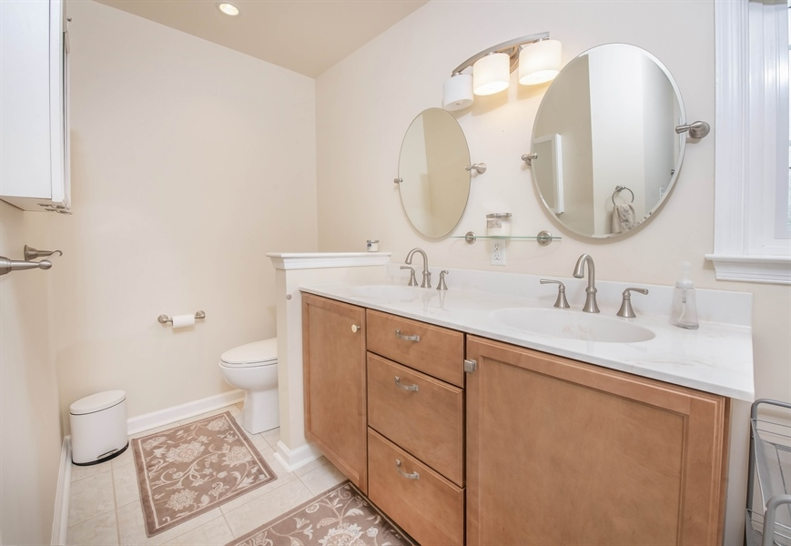 Real Estate Photography - 700 Fawn Rd, Newark, DE, 19711 - great double vanity in master bathroom