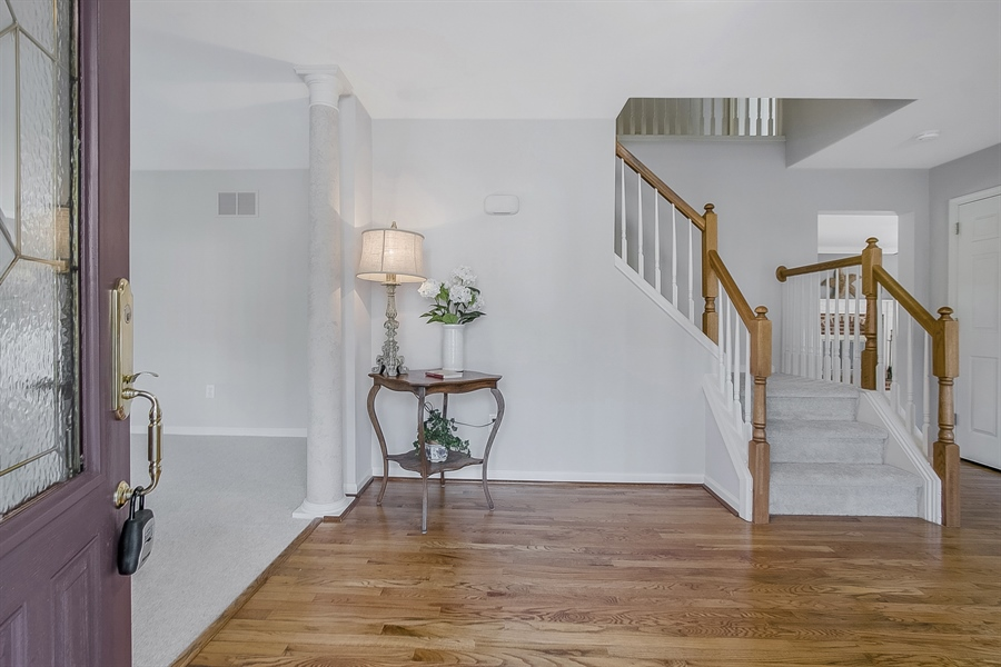 Real Estate Photography - 5 Grosbeak Ln, Newark, DE, 19711 - Another Foyer View
