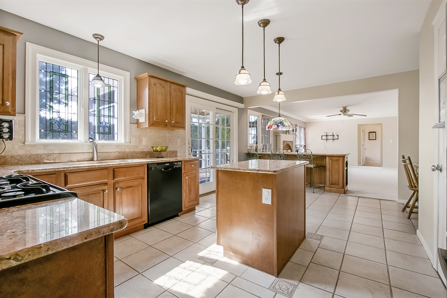 Real Estate Photography - 5 Grosbeak Ln, Newark, DE, 19711 - Upgraded Kitchen With Granite Counters