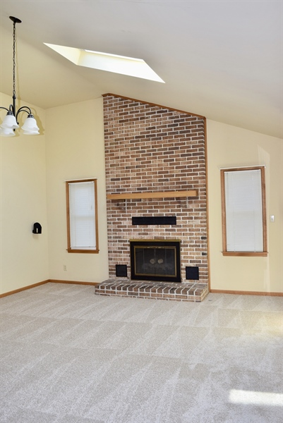 Real Estate Photography - 513 Penn Manor Dr, Newark, DE, 19711 - Another view of family room