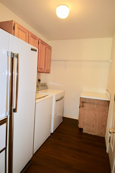 Real Estate Photography - 513 Penn Manor Dr, Newark, DE, 19711 - Laundry Room