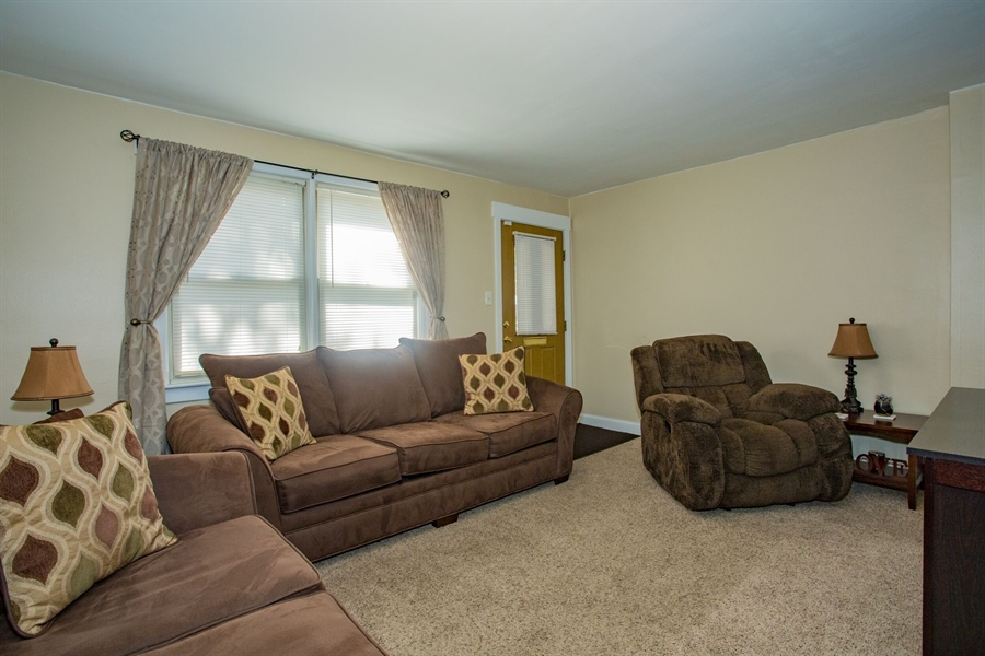 Real Estate Photography - 1009 Dover Ave, Wilmington, DE, 19805 - Living Room