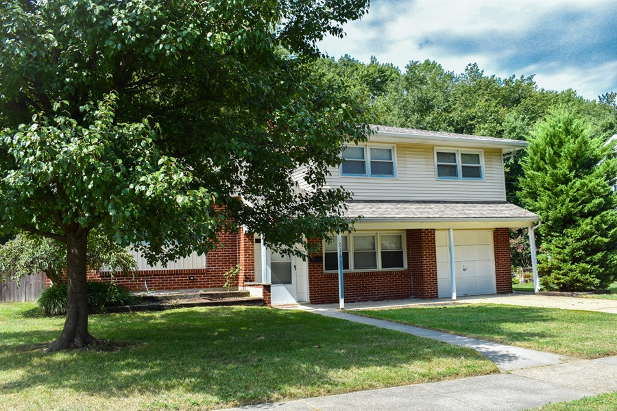 Real Estate Photography - 928 Woodcrest Dr, Dover, DE, 19904 - Location 2