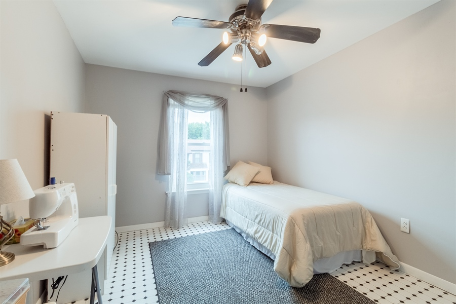 Real Estate Photography - 10 West Ct, Wilmington, DE, 19810 - Third bedroom as ceiling fan