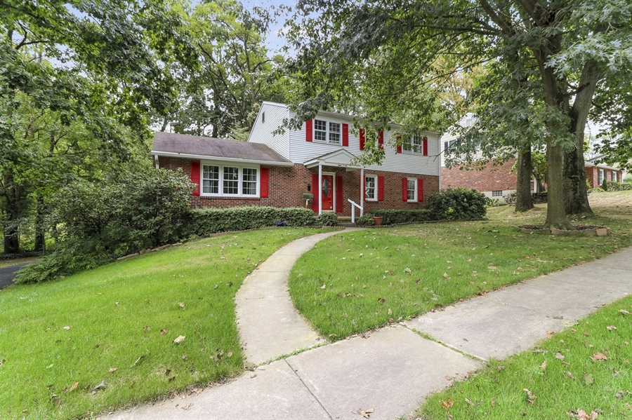 Real Estate Photography - 806 N Country Club Dr, Newark, DE, 19711 - Welcome Home!