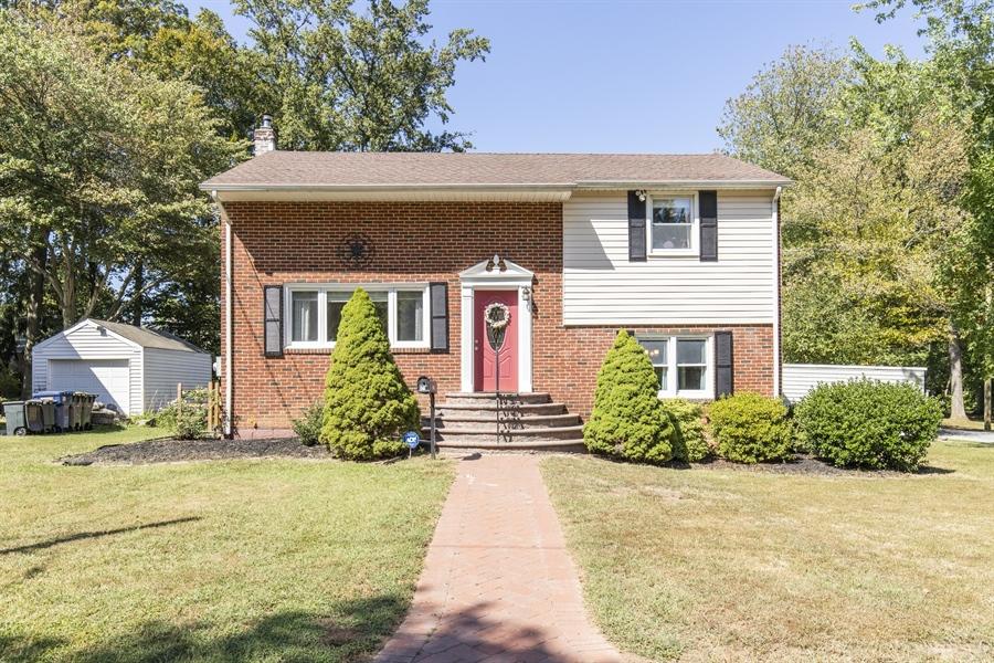 Real Estate Photography - 421 Goodley Rd, Wilmington, DE, 19803 - Exterior front