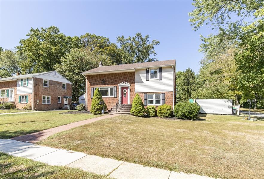 Real Estate Photography - 421 Goodley Rd, Wilmington, DE, 19803 - Exterior front 2