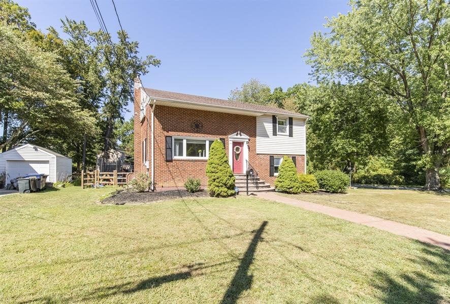 Real Estate Photography - 421 Goodley Rd, Wilmington, DE, 19803 - Exterior front 3