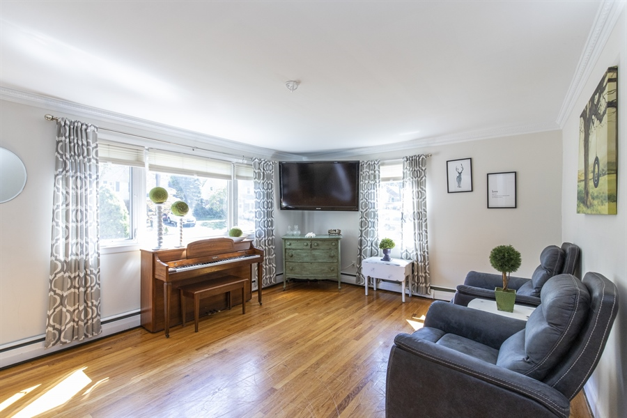 Real Estate Photography - 421 Goodley Rd, Wilmington, DE, 19803 - Living room