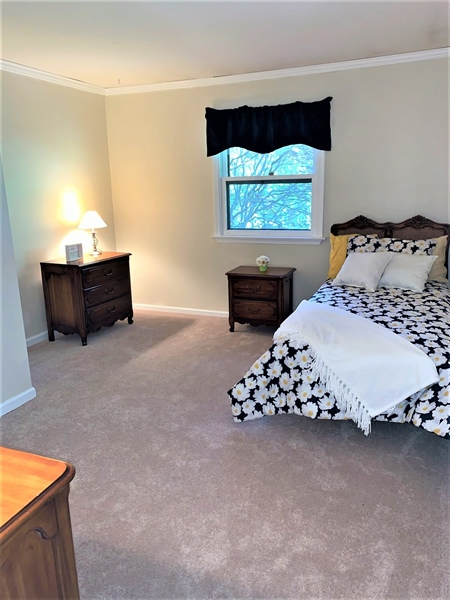 Real Estate Photography - 5522 E Timberview Ct, Wilmington, DE, 19808 - Extremely Large Master Bedroom w Vaulted Ceilings!