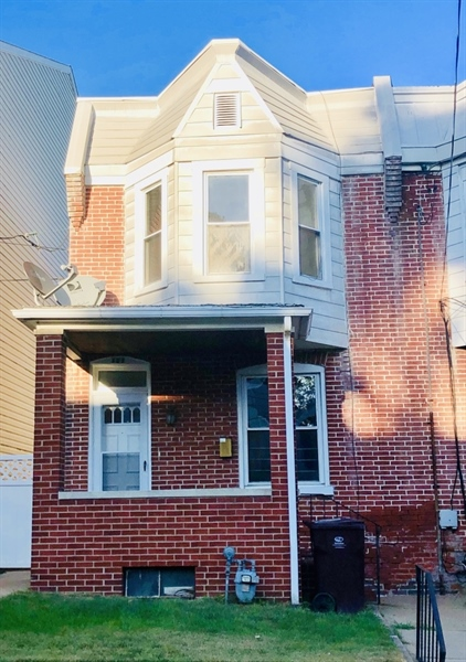 Real Estate Photography - 131 6th Ave, Wilmington, DE, 19805 - Location 1