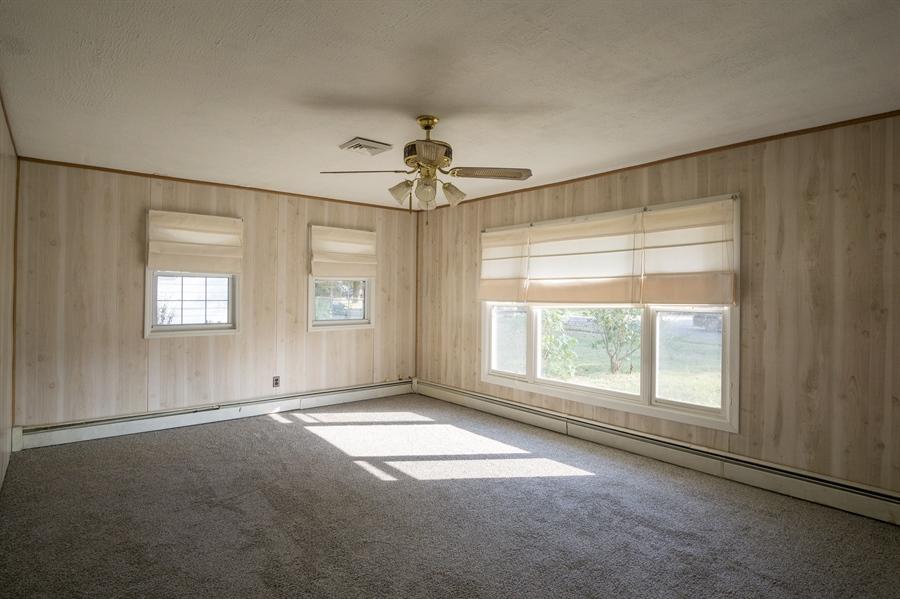 Real Estate Photography - 3 Curry Ln, Newark, DE, 19713 - Living Room