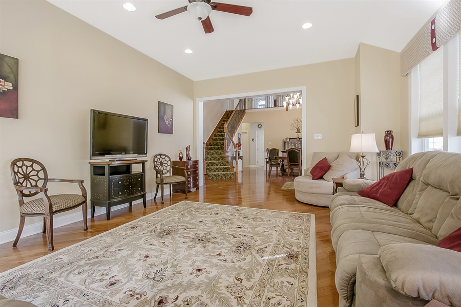 Real Estate Photography - 314 Cassell Ct, Wilmington, DE, 19803 - Great Rm to Dining Rm
