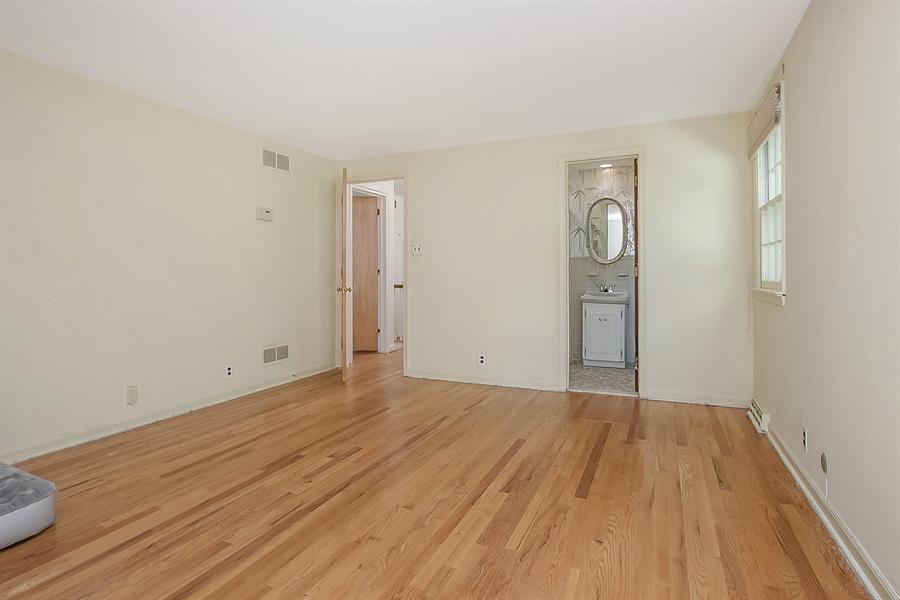 Real Estate Photography - 3303 Coachman Rd, Wilmington, DE, 19803 - Second Level Master Suite