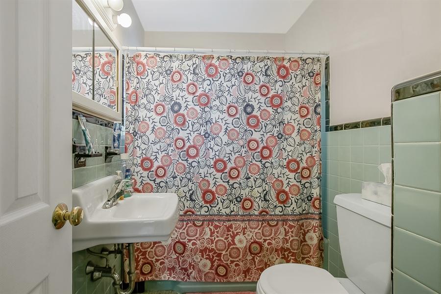 Real Estate Photography - 1113 Wilson Rd, Wilmington, DE, 19803 - Full Bath (Upper Level)